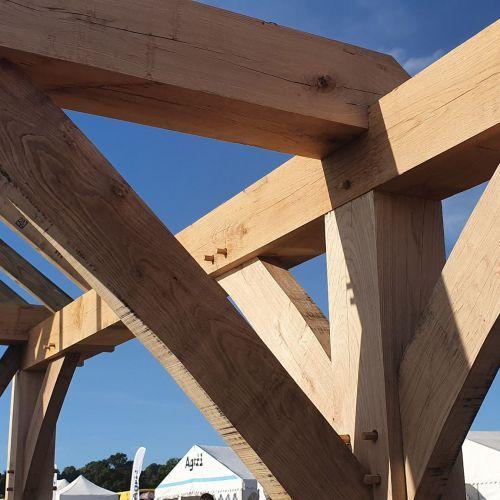 beautifully-finished-oak-frame-work.jpg
