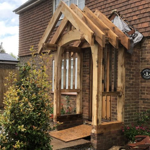 oak-framed-porch-being-constructed.jpg