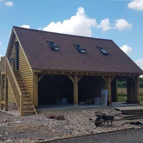 oak-framed-garage-with-first-floor-office.jpg
