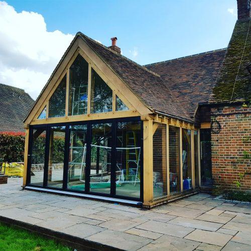 oak-framed-garden-room-with-apex-roof.jpg